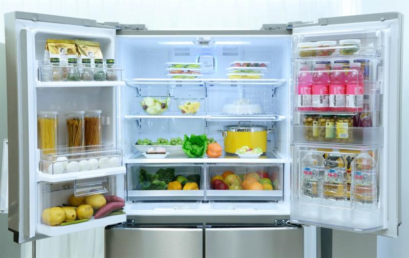 Giữ kệ tủ lạnh luôn được sạch sẽ