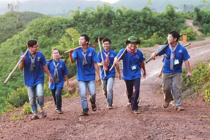Khám phá ra những vùng đất mới qua các hoạt động tình nguyện.