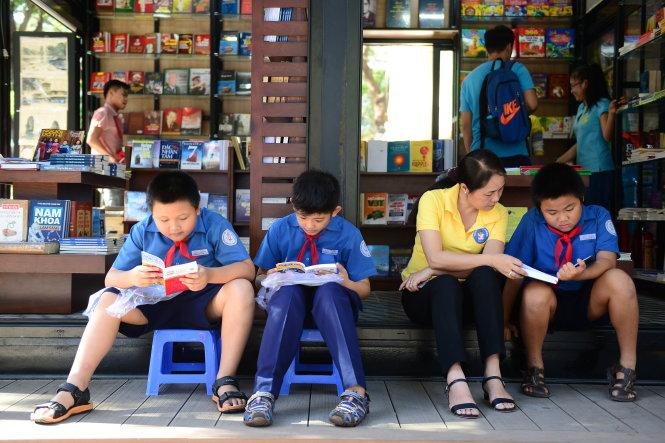 Giúp giáo dục nhân cách đạo đức cho trẻ