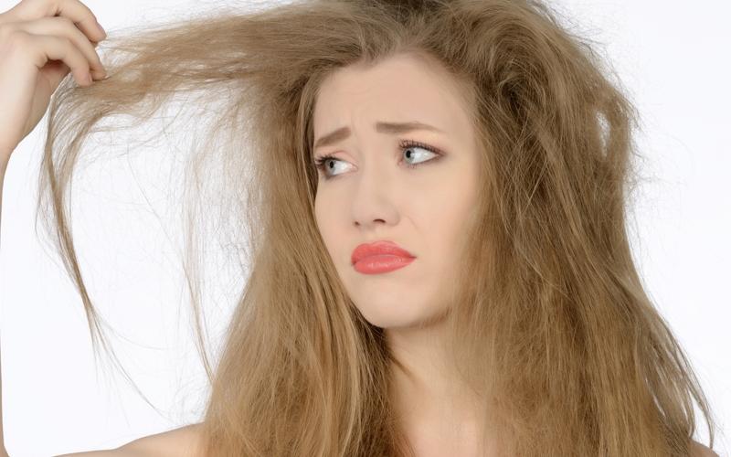 Vitamin E khắc phục tình trạng tóc khô và chẻ ngọn