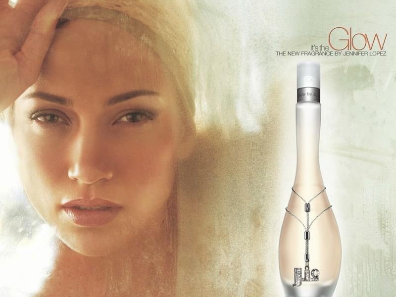 Ảnh chụp quảng cáo cho Glow của Jennifer Lopez