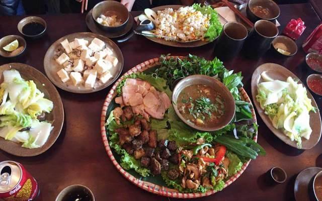 Những món ăn giản dị mà hấp dẫn của Góc Quê