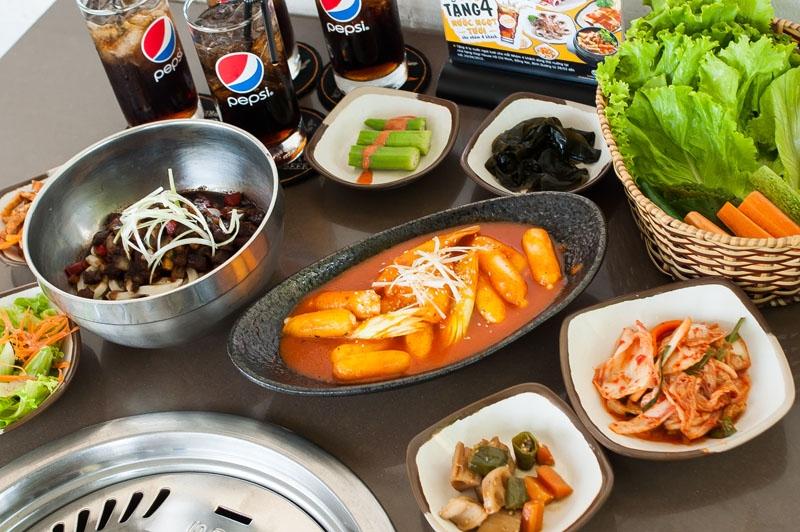 Món ăn truyền thống Hàn Quốc tại GoGi House - Royal City