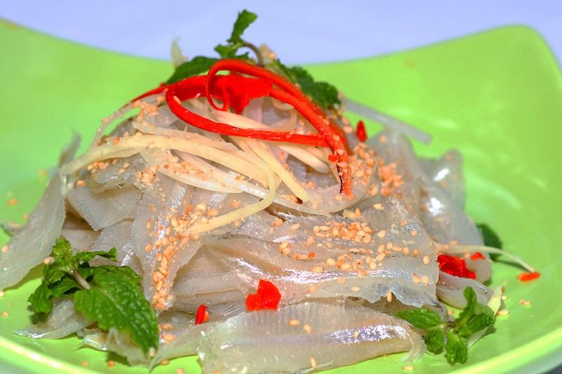 Một phần dĩa cá có giá 60K hoặc hơn tùy loại