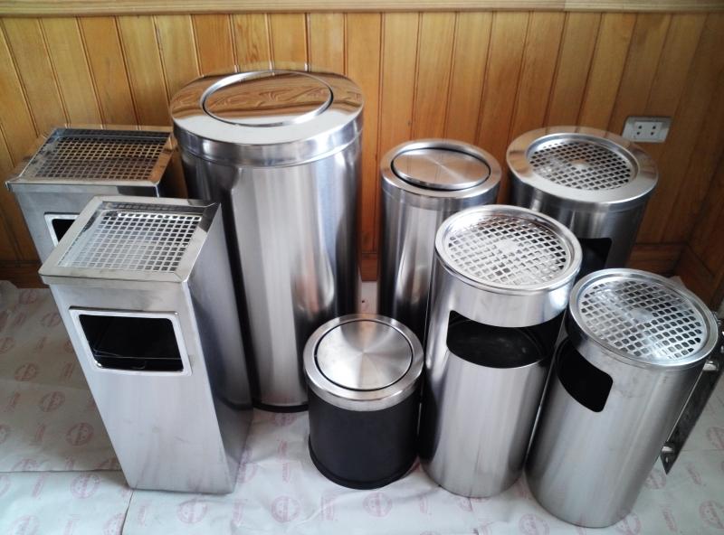 Sử dụng nhiều thùng rác có nắp đậy
