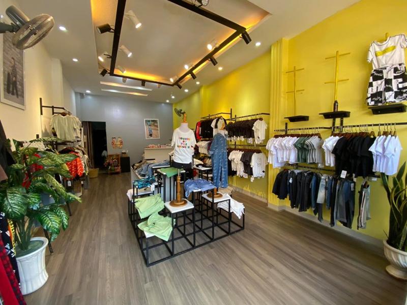 Gold Nhí Closet