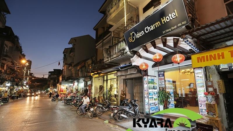 Khách sạn Golden Charm