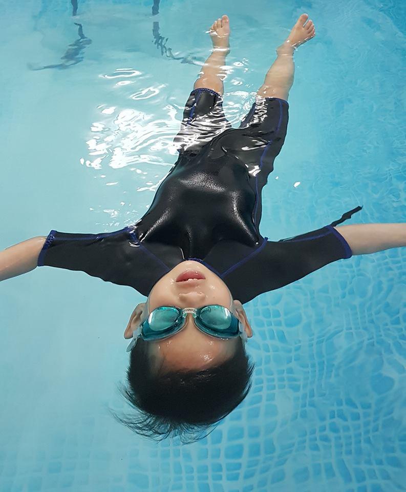 Công ty TNHH Dịch Vụ Golden Fish đảm bảo chỉ kết thúc khóa học khi học viên có thể bơi tốt.