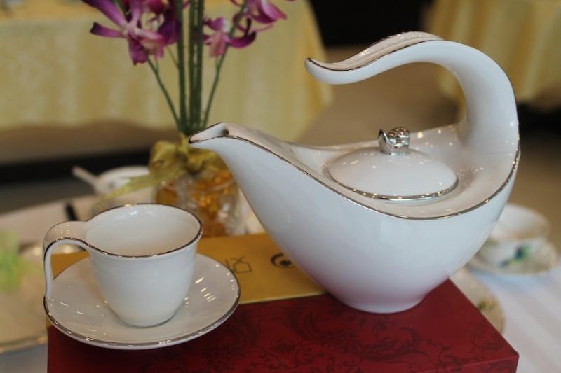 Với định hình ban đầu là dòng sản phẩm cao cấp, gốm sứ Minh Long luôn là cái tên đi đầu trong lĩnh vực gốm sứ tại Việt Nam nhiều năm qua.