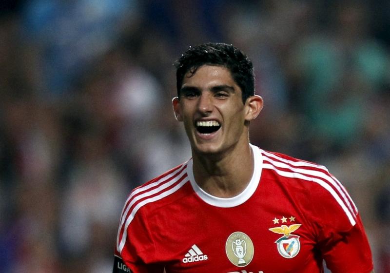 Goncalo Guedes đang được Manchester United theo đuổi