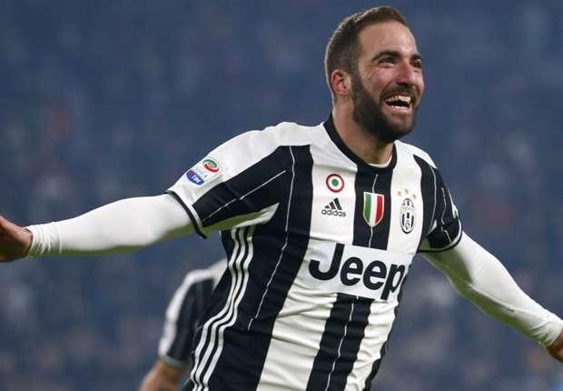 Gonzalo Higuaín trong màu áo Juventus