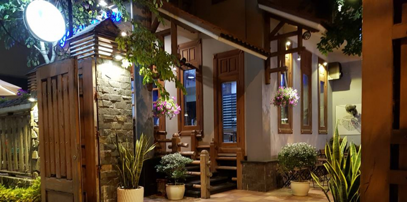 Gozar Coffee là một quán cafe nằm trong một biệt thự cổ