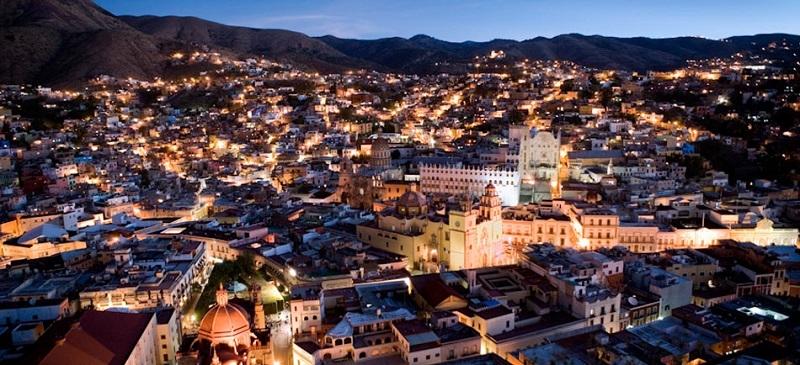 Thành phố Guanajuato, Mexico lên đèn