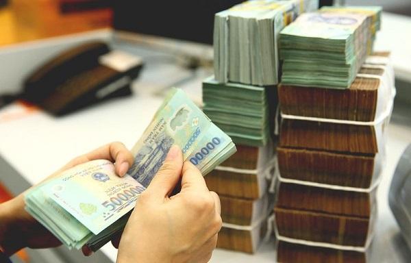 Gửi tiền tiết kiệm vào ngân hàng