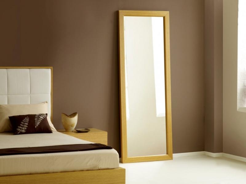 Để gương trong phòng ngủ là điều kiêng kỵ trong phong thủy