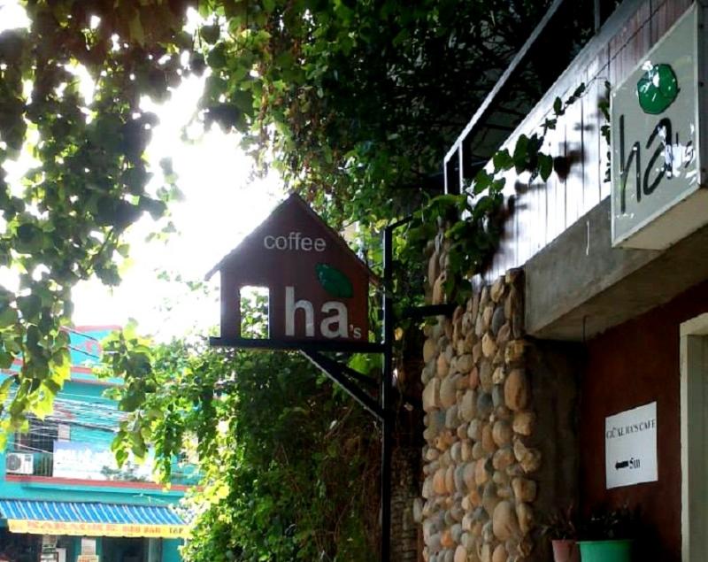 Hà cafe - không gian xanh