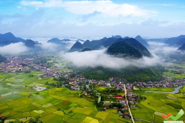 Đến Hà Giang để thả hồn cho mây ngàn bay, hòa trong niềm vui của người dân bản xứ