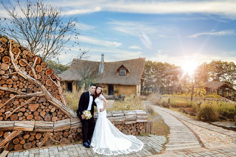 Chụp ảnh cưới ở vườn nhãn Vĩnh Tuy