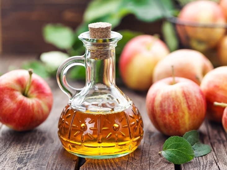 Hạ sốt bằng giấm táo là cách hạ sốt cho trẻ tự nhiên và an toàn