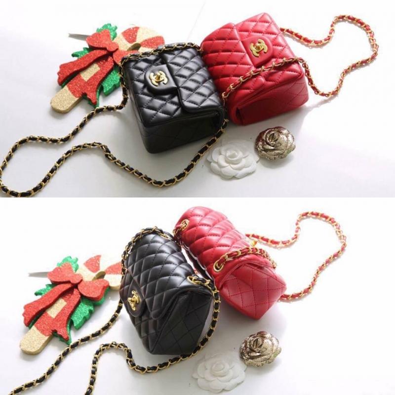 Tại Hà Túi, mẫu túi xách như trong hình có giá sale là: 190.000 VNĐ (hình ảnh lấy từ Fanpage của shop)
