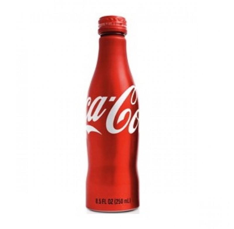 Một chai Coca-Cola ở Mỹ tuy mẫu mã giống Coca-Cola thế giới nhưng vị khác nhau