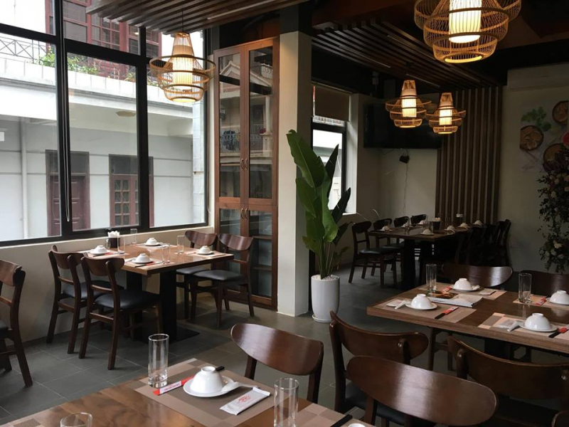 Nội thất sang trọng, hiện đại, lịch sự và rộng rãi, nhà hàng Cua Bay phù hợp với những bữa tiệc tất niên 15 - 30 người
