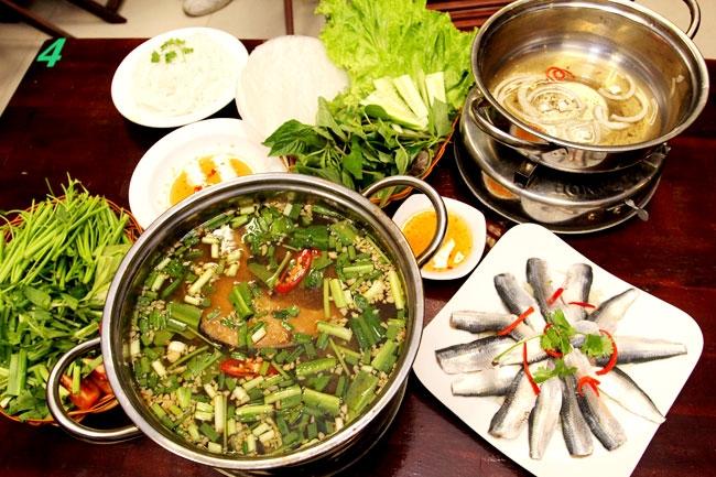 Thực đơn hải sản tại quán Hải sản Gành Hào rất đa dạng