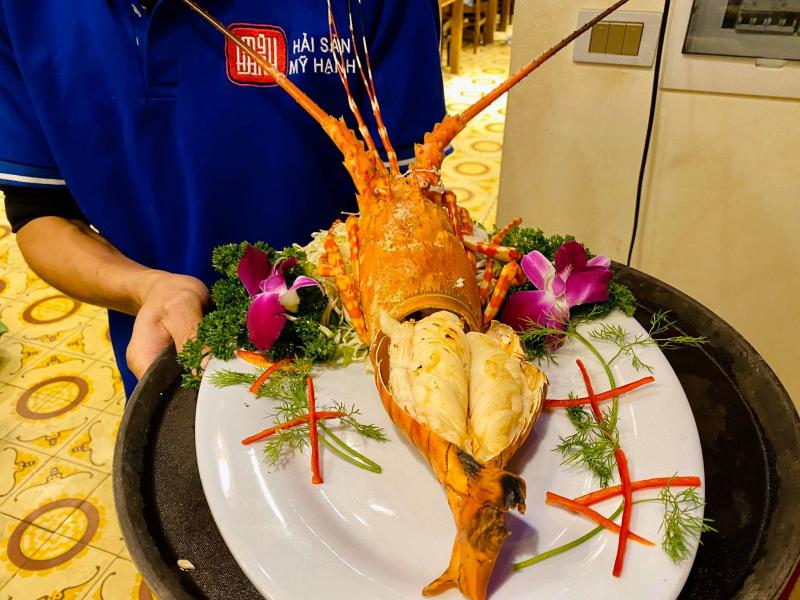 Hải Sản Mỹ Hạnh – Nhà Hàng Bán Tôm Hùm Tại Hà Nội