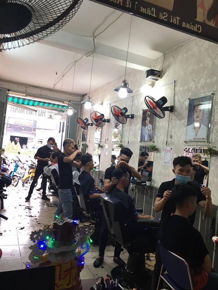 Chuyên về tạo mẫu tóc cho nam giới