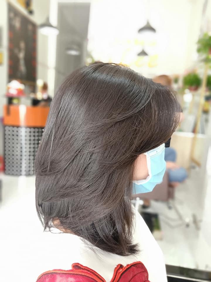 Tất cả dịch vụ tại Hair Salon LEE được thực hiện bởi đội ngũ thợ cắt tóc chuyên nghiệp