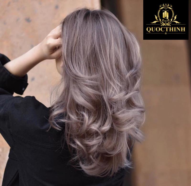 Tóc đẹp đẹp có sự ảnh hưởng rất lớn từ chính sản phẩm bổ trợ thực hiện dịch vụ