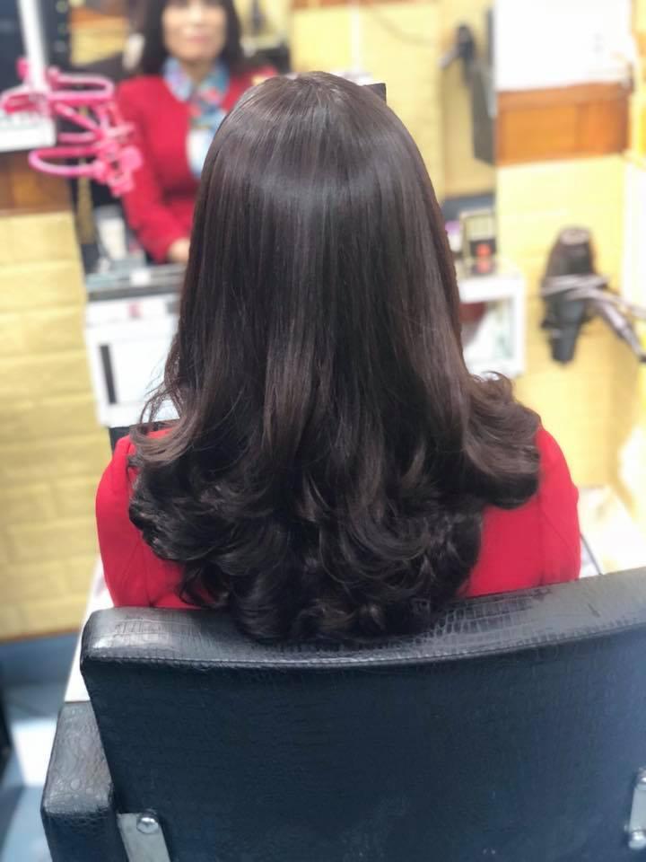 Khách hàng tại Hair Salon Sơn Thanh