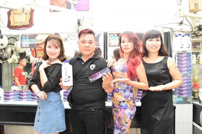Đội nhũ nhân viên nhiệt tình, mến khách tại Hair Salon Tân Thư