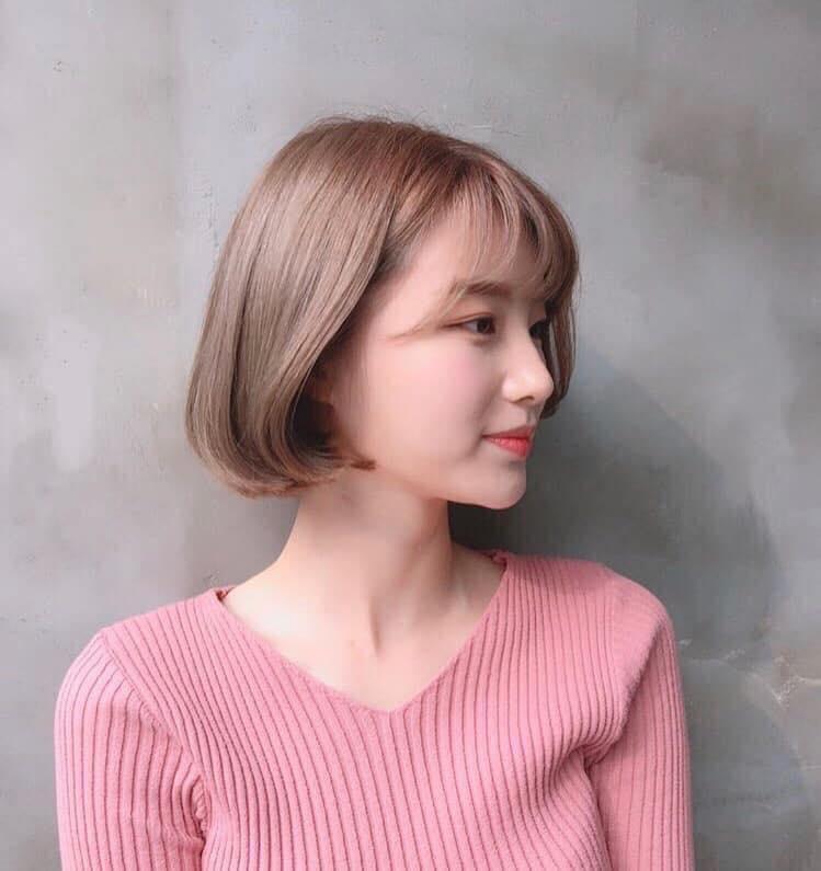 Hair World Beauty chuyên dịch vụ làm tóc, chăm sóc tóc, tạo kiểu tóc, cam kết sử dụng những sản phẩm chăm sóc tóc tốt nhất