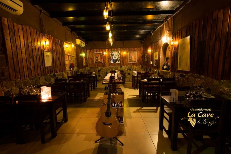 Hầm rượu vang La Cave de Saigon