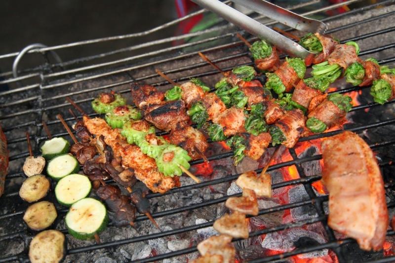 Thực phẩm nướng và hun khói chứa nhiều chất gây ung thư