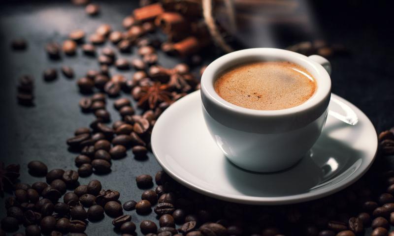 Hạn chế dùng cà phê, đồ uống có cồn