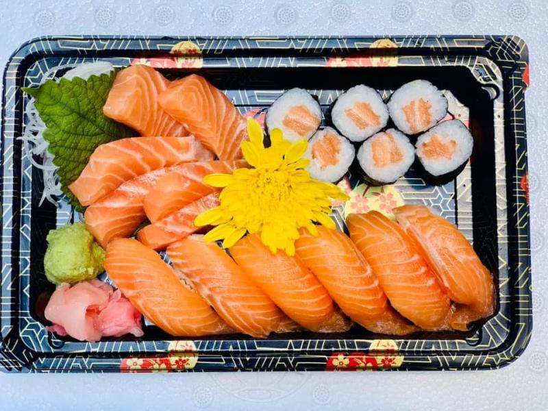 Ẩm thực Nhật Bản không lạm dụng quá nhiều gia vị mà chú trọng làm nổi bật hương vị tươi ngon, tinh tế tự nhiên của món ăn