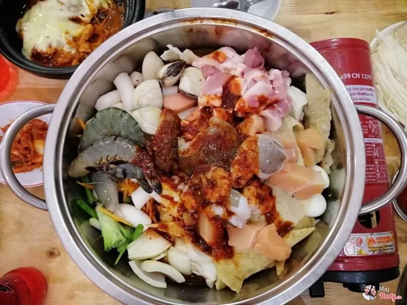 Hancook là quán ăn theo phong cách của Hàn Quốc