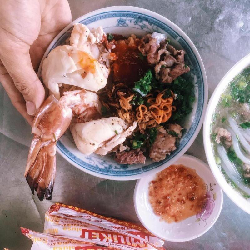 Mỳ trộn khô Cô Thảo