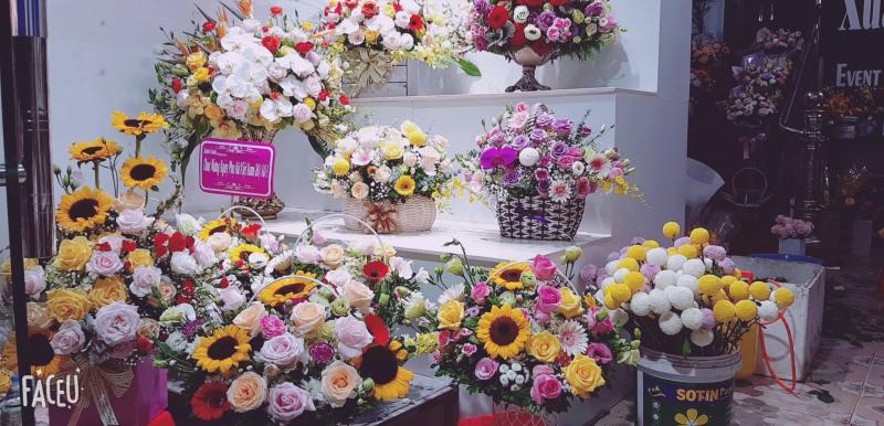 Một số mẫu hoa tươi tại cửa hàng Xuân Oanh