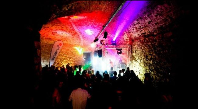 Đại nhạc hội trong hang