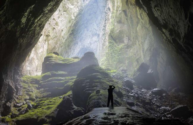 Hang Sơn Đoòng: Hang động lớn nhất Thế Giới