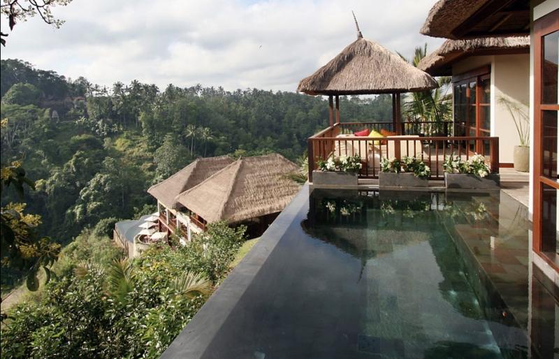 Nơi đây được bình chọn là một trong 10 hồ bơi ấn tượng nhất thế giới
