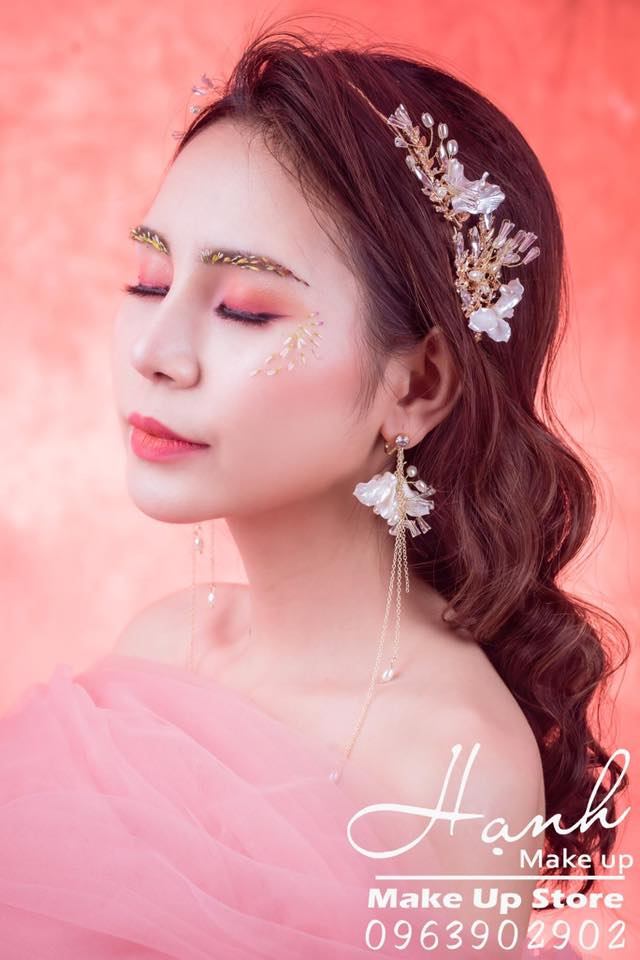 Hạnh Make Up Academy & Beauty