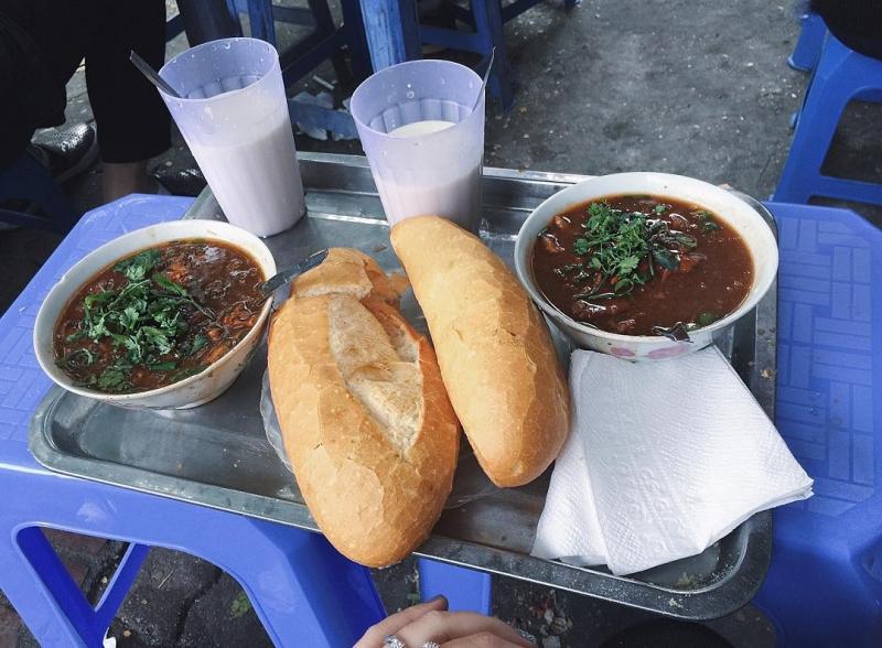 Hảo Hảo - Bánh Mì Sốt Vang & Cháo Bò