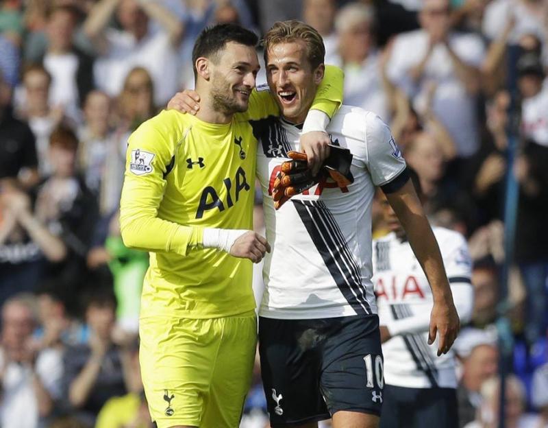 Lloris (trái) và Kane rất thân thiết tại Tottenham Hospur