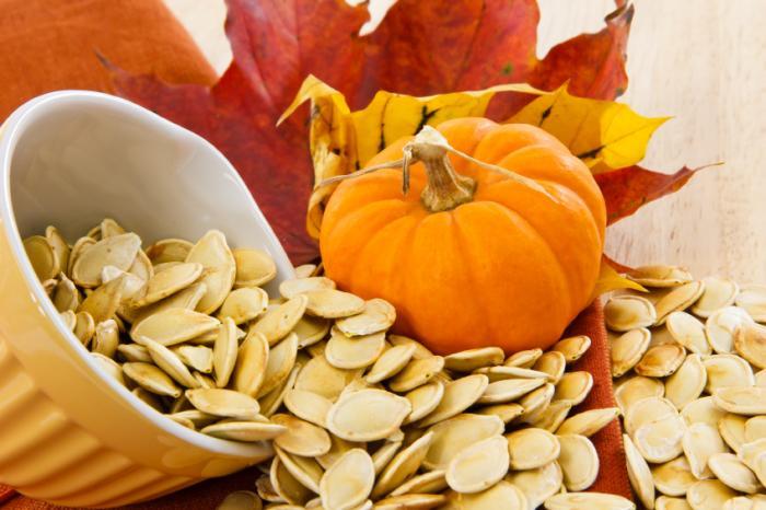 Hạt bí ngô - Vừa là món ăn vặt vừa cung cấp chất dinh dưỡng cho con người ( Nguồn: Sưu tầm)