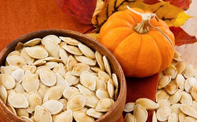 Những hạt bí ngô thơm bùi còn giúp chúng ta giảm cơn thèm ăn xuống 30 - 40 % đấy.