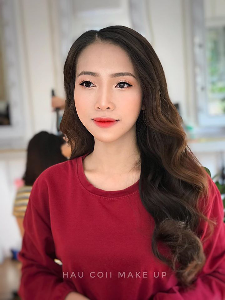 Hậu Còi Make Up & Academy